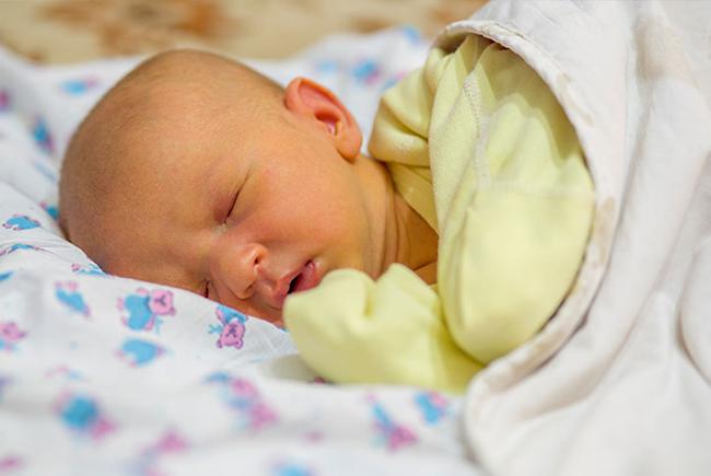 Nguyên nhân vàng da sinh lý ở trẻ sơ sinh